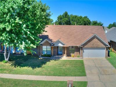 Single Family Home For Sale: 18413 Laurel Oak Drive