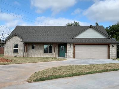 Shawnee Single Family Home For Sale: 1309 Troon North