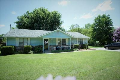 Stroud OK Single Family Home For Sale: $98,900