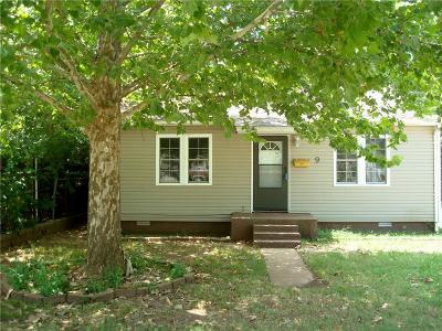 Shawnee Single Family Home For Sale: 9 W Pulaski Street