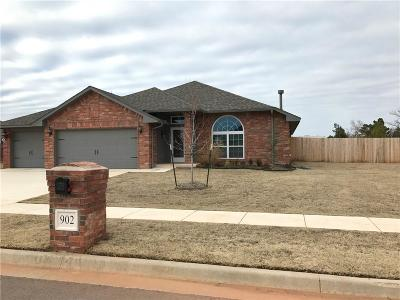 Chickasha Single Family Home For Sale: 902 Hickorystick Drive