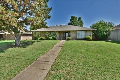 Edmond Single Family Home For Sale: 513 Smiling Hill Boulevard