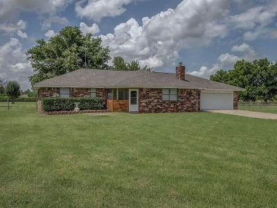 Tuttle Single Family Home For Sale: 1716 County Road 1213