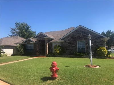 Edmond Single Family Home For Sale: 1620 N Old English Road