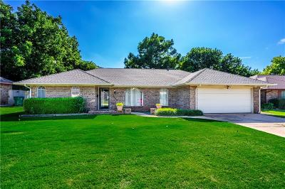 Oklahoma City Single Family Home For Sale: 12129 Camelot Place
