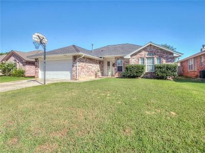 Norman Single Family Home For Sale: 617 Golden Eagle