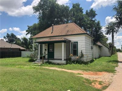 Elk City Single Family Home For Sale: 910 W 5th Street