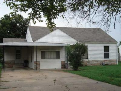 Warr Acres Single Family Home For Sale: 4708 N Grove Avenue