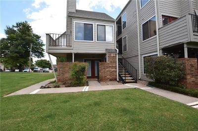 Oklahoma City Condo/Townhouse For Sale: 11510 N May Avenue #B106