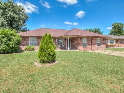 Moore OK Single Family Home For Sale: $160,000