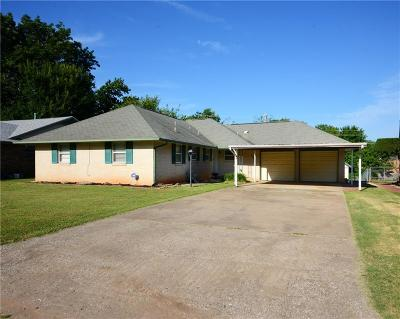 Midwest City Single Family Home For Sale: 3205 N Peebly Drive