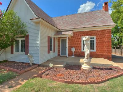 Elk City Single Family Home For Sale: 815 W Broadway