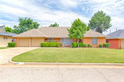 Oklahoma City Single Family Home For Sale: 2605 NW 58th Place
