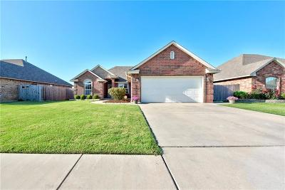 Moore Single Family Home For Sale: 836 Carol Ann Place