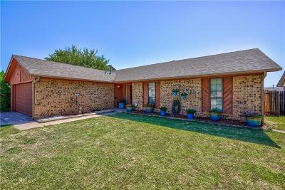 Yukon Single Family Home For Sale: 712 Cactus Court