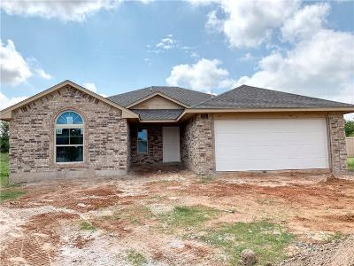 Yukon Single Family Home For Sale: 1237 Hickory Creek Drive
