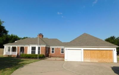 Warr Acres Single Family Home For Sale: 3711 N Grove Avenue