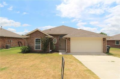 Norman Single Family Home For Sale: 1004 Caracara Drive