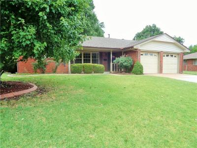 Midwest City Single Family Home For Sale: 113 Country Club Circle