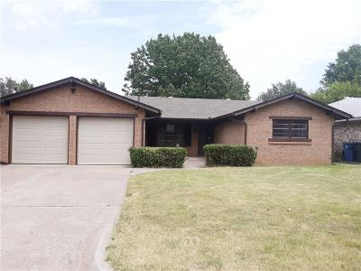 Midwest City Single Family Home For Sale: 3700 Oak Grove Drive