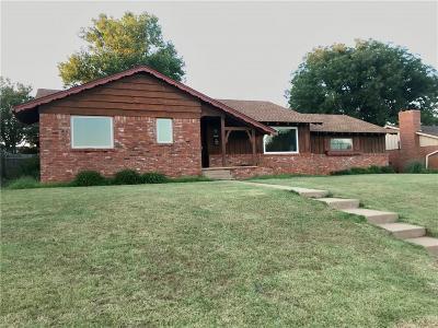Clinton OK Single Family Home For Sale: $149,900