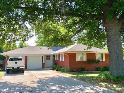 Warr Acres Single Family Home For Sale: 4308 N Sterling Avenue
