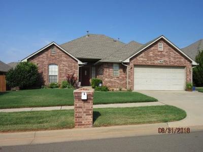 Edmond Single Family Home For Sale: 17025 Woodvine Avenue