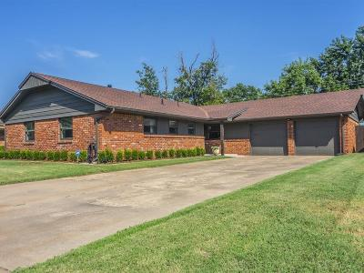 Oklahoma City Single Family Home For Sale: 3008 Berkshire Way