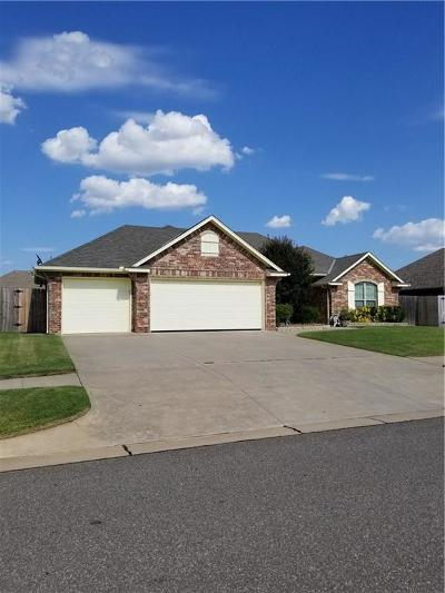 Moore Single Family Home For Sale: 3212 Pin Oak Road
