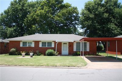 Weatherford Single Family Home For Sale: 709 N 4th Street
