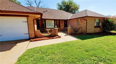 Warr Acres Single Family Home For Sale: 7132 N Comanche Avenue