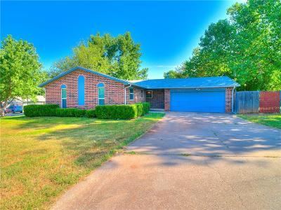 Edmond Single Family Home For Sale: 625 Elmwood Drive