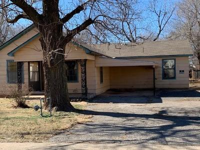 Elk City Single Family Home For Sale: 519 S Calloway Avenue