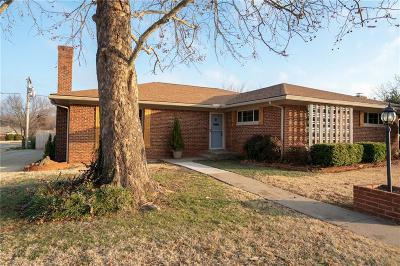 Oklahoma City Single Family Home For Sale: 2637 NW 67th Street