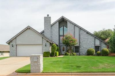 Oklahoma City Single Family Home For Sale: 4323 Saint Gregory Drive