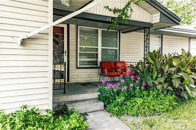 Enid Single Family Home For Sale: 1902 E Owen K Garriott Road