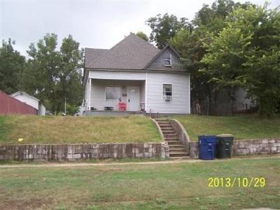 Chickasha Single Family Home For Sale: 915 W Colorado Avenue