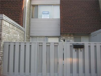 Condo/Townhouse For Sale: 1404 Bill Carrol Dr