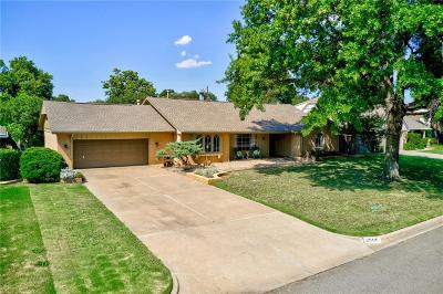 Oklahoma City Single Family Home For Sale: 2909 Hemingford Lane
