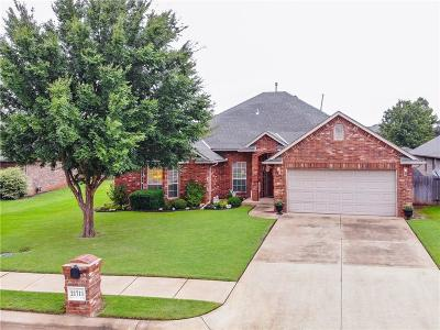 Edmond Single Family Home For Sale: 21711 Long Trail