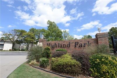 Norman Condo/Townhouse For Sale: 1821 E Lindsey Avenue #2