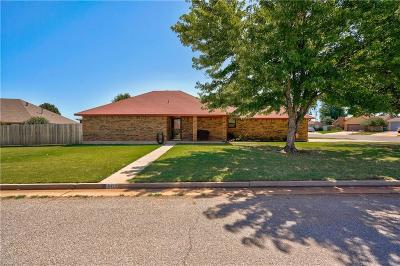 Oklahoma City Single Family Home For Sale: 8413 SW 38th Circle