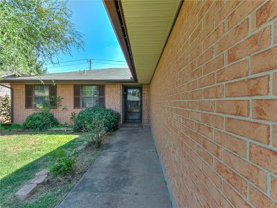 Oklahoma City OK Single Family Home For Sale: $104,000