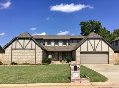 Oklahoma City Single Family Home For Sale: 8816 Rolling Green Avenue