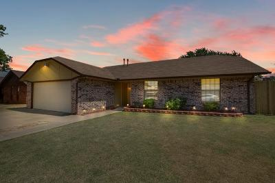 Moore Single Family Home For Sale: 1528 Emerwood Road