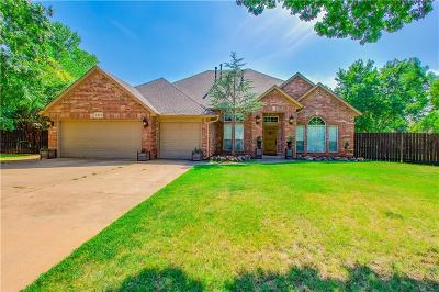 Edmond Single Family Home For Sale: 1801 Lancaster Circle