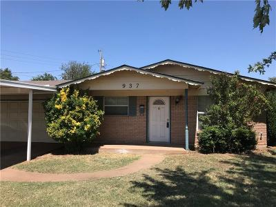 Moore Single Family Home For Sale: 937 NW 27th Street