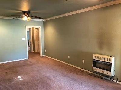 Purcell Single Family Home For Sale: 228 W Huron Street