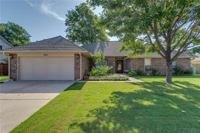 Norman Single Family Home For Sale: 405 Golden Oaks Drive