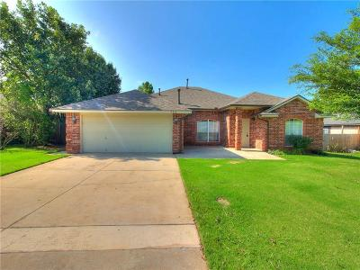 Noble Single Family Home For Sale: 708 Woodbriar